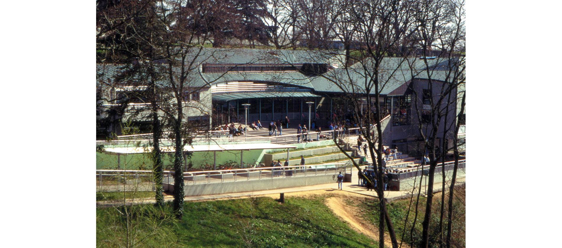 Collège Françoise Dolto à Chaponost