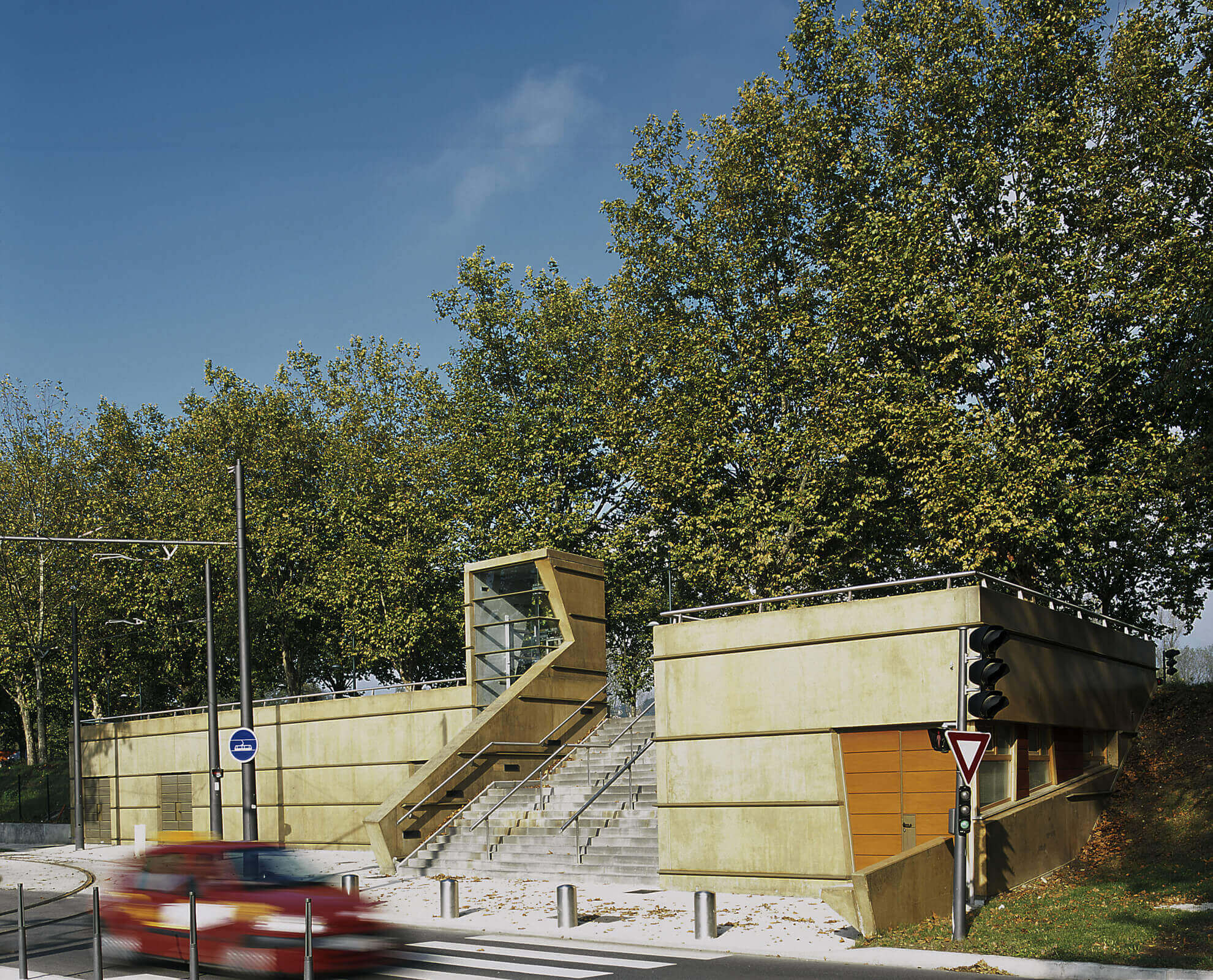 Sous station tramway La Feyssine